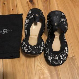 Yosi Samra Black Lace Flats 8
